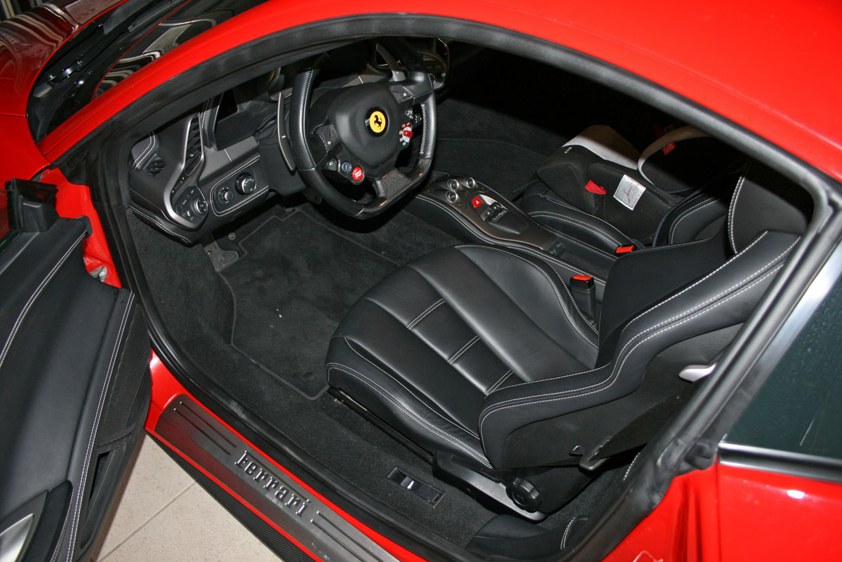 ferrari 458 italia 4 5l v8 570 ch courtage expert auto. Black Bedroom Furniture Sets. Home Design Ideas